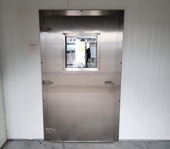 Dveře jednokřídlé provozní s oknem